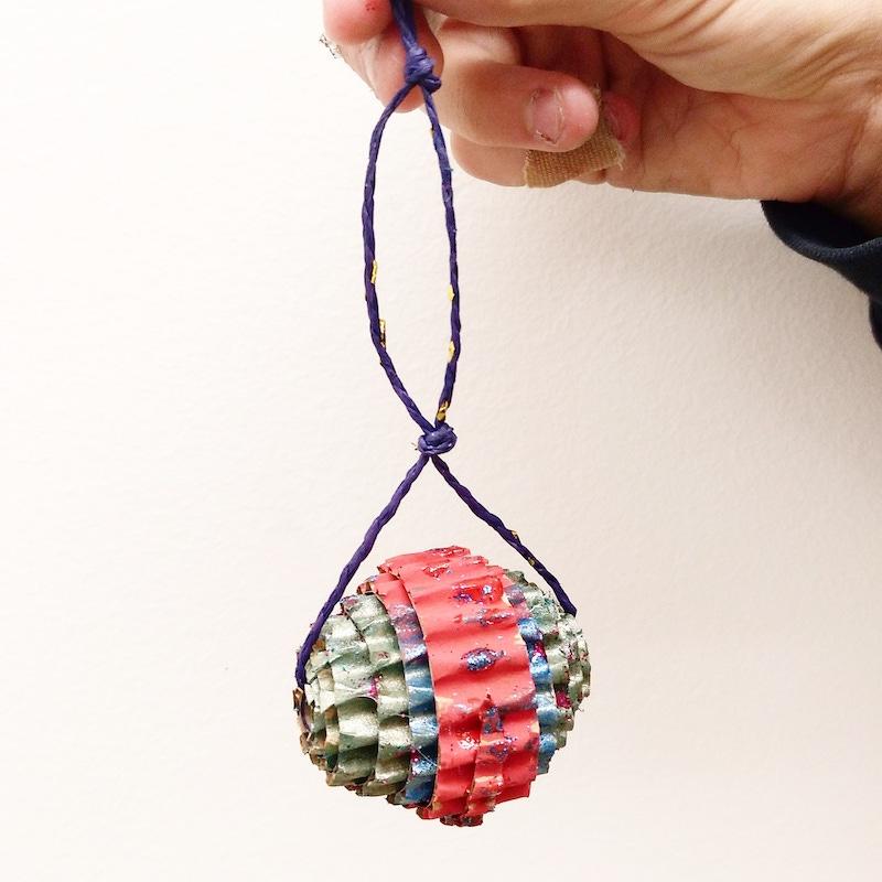 bolas de navidad de cartón